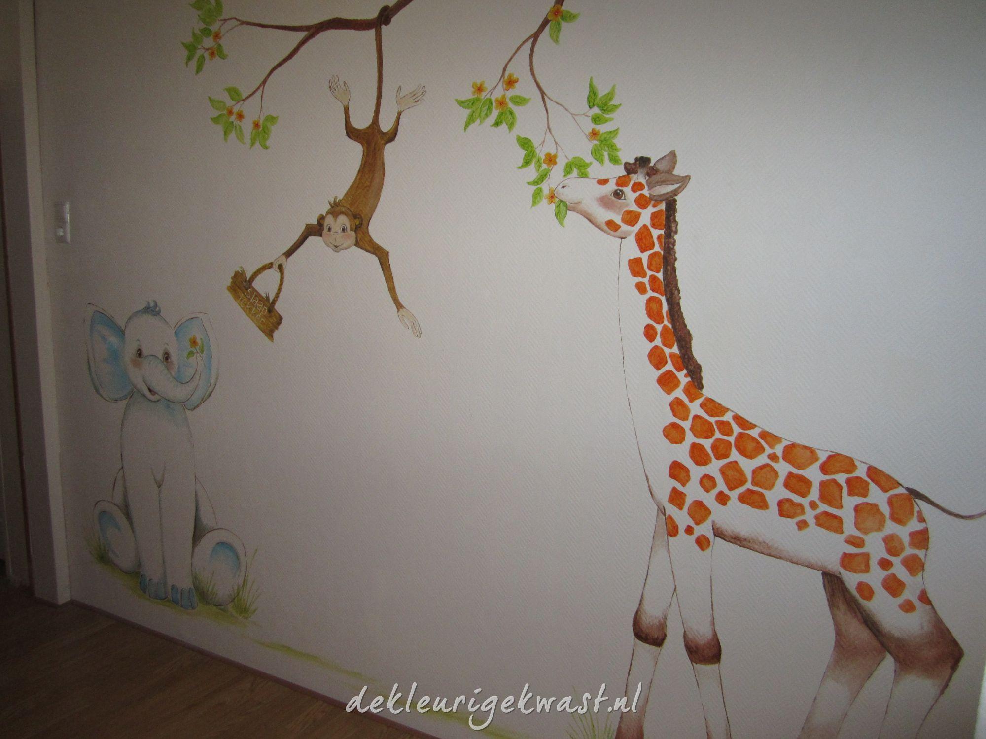 Muurschildering Met Naam In De Babykamer Pictures to pin on Pinterest